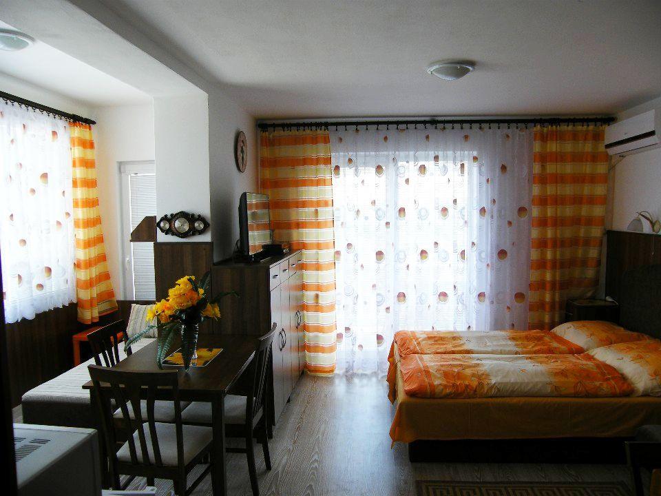 Apartmán Trio, Podhájska